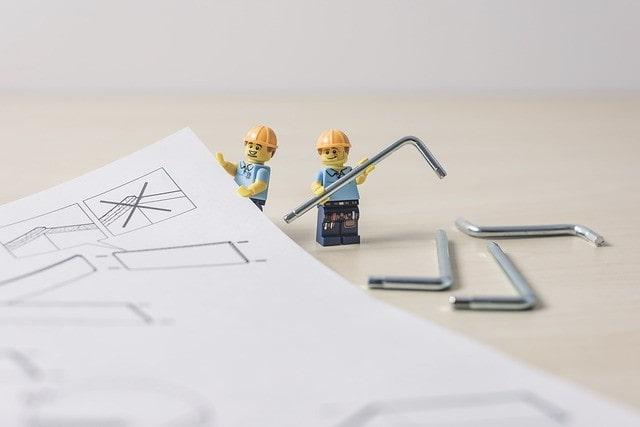 建築を頑張るレゴブロック